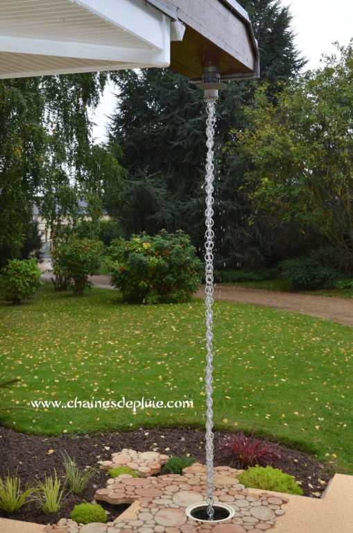gouttiere zinc remplacee par une chaine de pluie